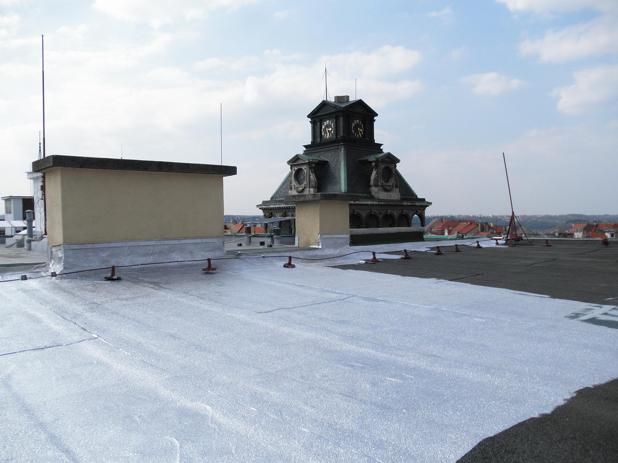 Nátěr střechy v Praze na Letné